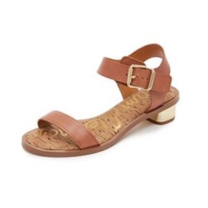 SAM EDELMAN Trixie Heeled Buckle Sandal In Cognac